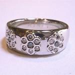 ブルーダイヤとメレダイヤを使って指輪をリフォームしました。